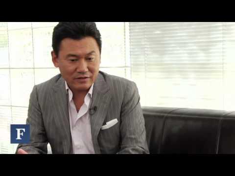 Can Hiroshi Mikitani's Shopping Site Take On Amazon?