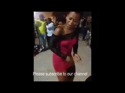 Zodwa Wabantu dancing naked thumbnail