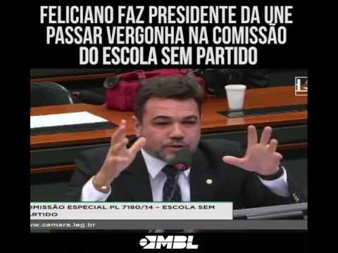 Feliciano faz presidente da UNE passar vergonha na Comissão do Escola sem partido