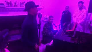 "Durand Bernarr singing ""Freefall"" with Stevie Mackey"
