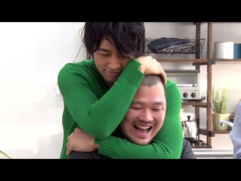 ゲイ 動画 バックハグ