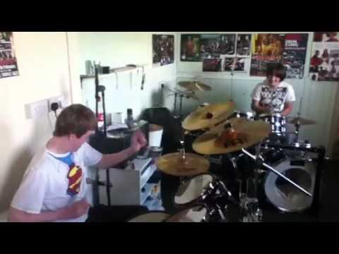 DRUM BATTLE! Jay Moir VS Paul Annan