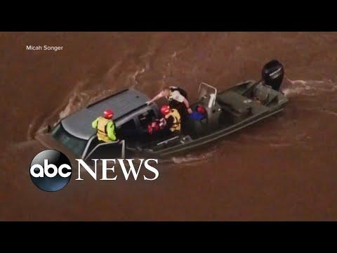 Flash floods slam Midwest states