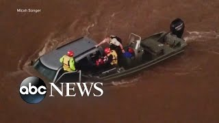 Flash floods slam Midwest states