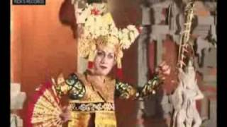 Didik Nini Thowok - Awesome Dance Legong Bapang Saba