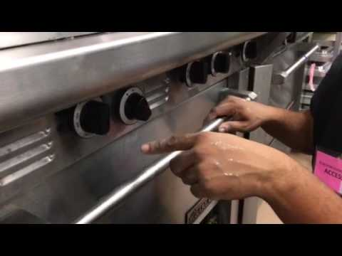 Video How To Turn Oven Pilot On