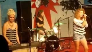 Those Dancing Days - Actionman live (Sopa de Auditório)