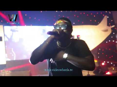 PERFORMANCE - SKALES AT FUNNY FLIGHT WITH EXTREME THE COMEDIAN (Nigerian Entertainment)