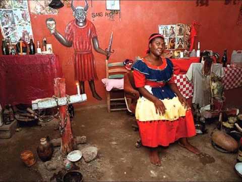 VUDU EN HAITI   HOUNGAN CRISPEN