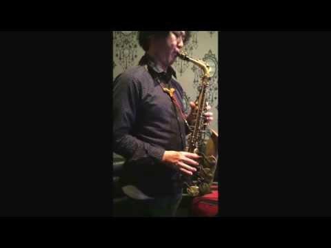 To get good intonation on Sax 08
