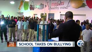 Pastor Ovella Stops Bullying In Highland Park