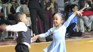 CUTE & FUNNY, DANCE SPORT CONTEST. 5 yr old TEACHES 3 yr old. CEBU PHILIPPINES