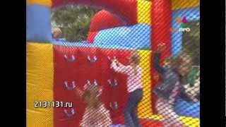 видео Детские батуты надувные Барнаул. Купить детский батут для дома с защитной сеткой и без в Барнауле