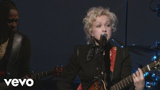 Cyndi Lauper - Walk On By (from Live...At Last)