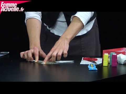 comment faire une boule en papier pour le sapin dyi. Black Bedroom Furniture Sets. Home Design Ideas
