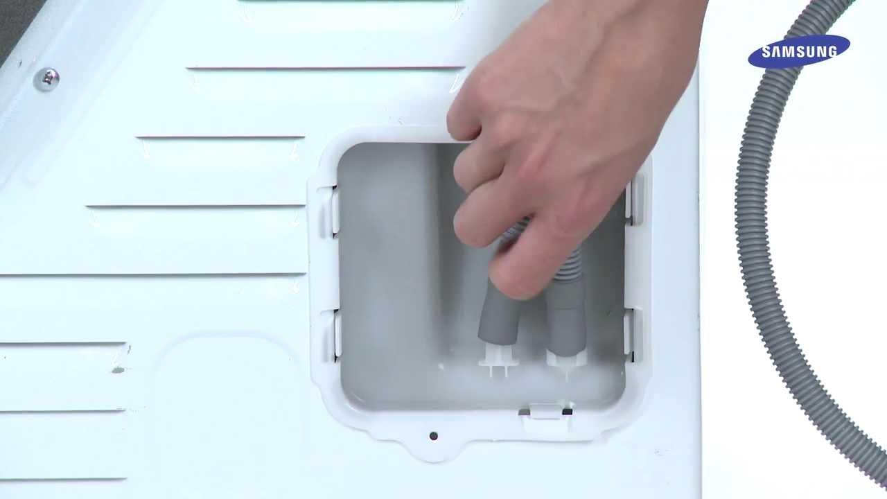 Bekend Condensdroger: afvoerslang aansluiten op afvoerpijp - YouTube ZK47
