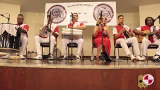 Show de samba raiz com o grupo Apito e Mestre no circulo dos operários