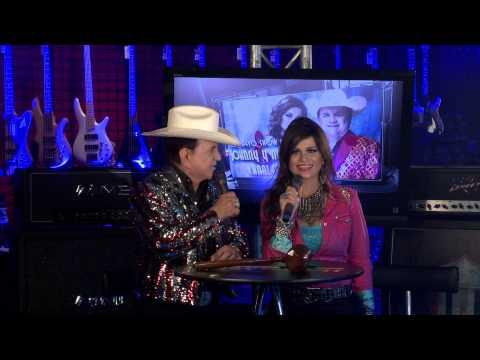 Johnny Y Nora Canales / Adrian Acosta