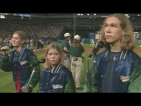 1997 WS Gm1: Hanson performs the national anthem