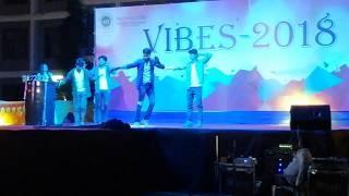 dance on akshay kumar songs