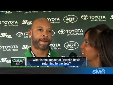 Laveranues Coles talks to SNY at Jets camp