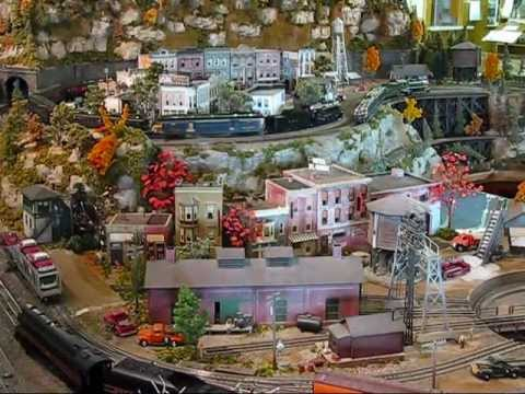 O-Scale Model Train Display @Bevells 2011.wmv