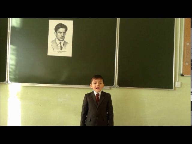 Изображение предпросмотра прочтения – АлександрБеляев читает произведение «Что такое хорошо и что такое плохо» В.В.Маяковского
