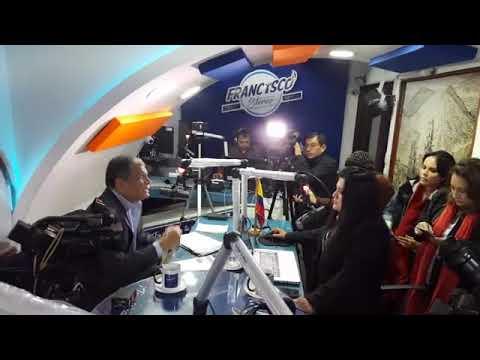 Entrevista en Quito por la radio, FRANCISCO STEREO FM  con  Rafael Correa