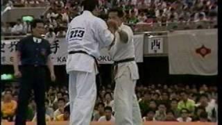 Kyokushin karate 極真空手 衝撃KO 角田(正道会館)VS井口 thumbnail