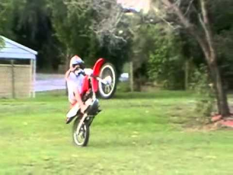 HONDA CRF 100 WHEELIES - YouTube