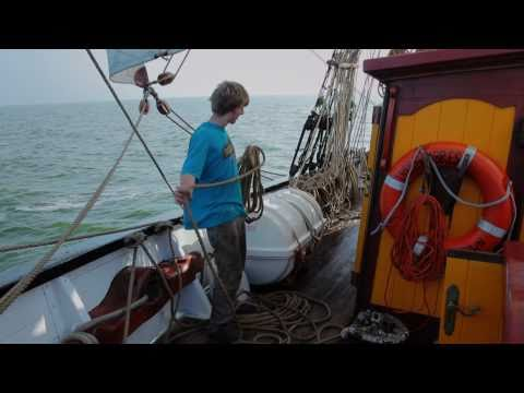 Square rigged sailing with Tres Hombres