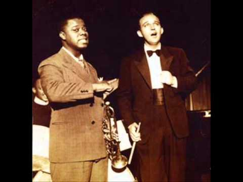 Bing Crosby & Louis Armstrong ♪ Gone fishin' ♪