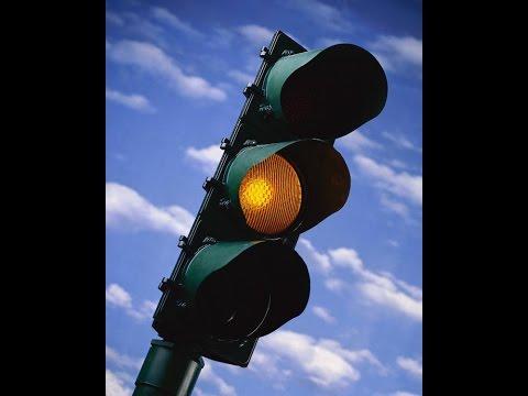 Движение на желтый сигнал светофора. Цвет разлуки. Красная пауза.
