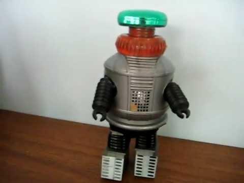 1977 AZRAK-HAMWAY AHI BATTERY/OP LOST IN SPACE ROBOT
