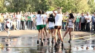 Конкурс мокрые майки Car'n'Girl 2011 ч.1(21 мая, в субботу, в Киеве на внутренней парковке РЦ Блокбастер прошел фестиваль Car'n'Girl, где собрались самые..., 2011-05-25T17:05:43.000Z)