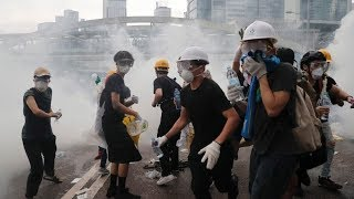 Hong Kong police use tear gas on protesters opposing extradition bill