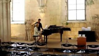Чувак с ангельским голосом в монастыре. Португалия