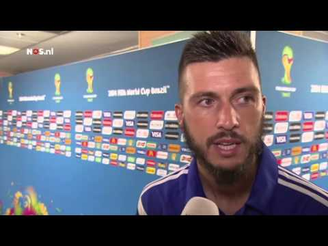 Messi wilde shirt Medunjanin   WK Voetbal 2014