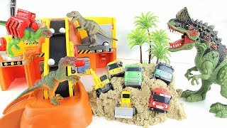 Dinosaur Warriors attack Tayo Construction Yard! Help Truck~~  Transforming Dino Toys! 공룡 타요 공사장 놀이