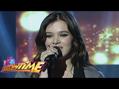It's Showtime: Hailee Steinfield sings