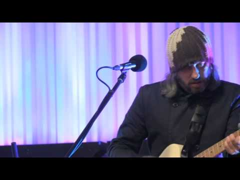 "Badly Drawn Boy: ""I Wanna Be Adored"" live (The Stone Roses cover)"