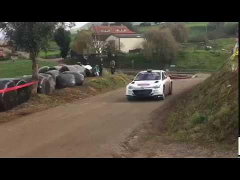 Aparatoso accidente de Surhayen Pernía en el Rallye Santander Cantabria