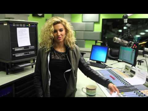 Tori Kelly Discusses *NSYNC, Christmas Presents,