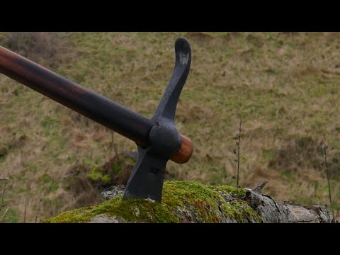 Making A Roman Military Pickaxe.