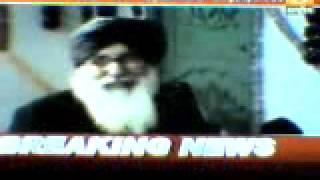 Parkash badal at sirsa saadh'z dera- watch urself & c wat kinda sikh he is ?