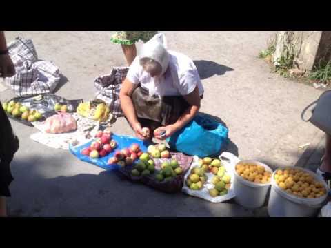 Скитания буржебомжей/Рынок Каменца-Подольского//уютные бабули,  куча еды и живой петух