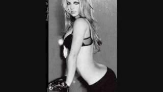 Britney Spears - Big Fat Bass ft Will.i.Am (Lyrics)