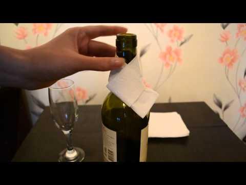 Как завязать салфетку на бутылку вина