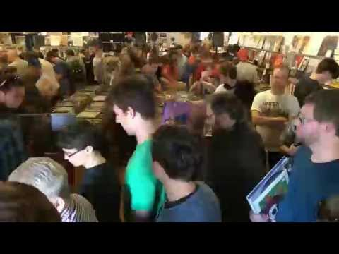Time Lapse of Record Store Day at Landlocked Music Bloomington