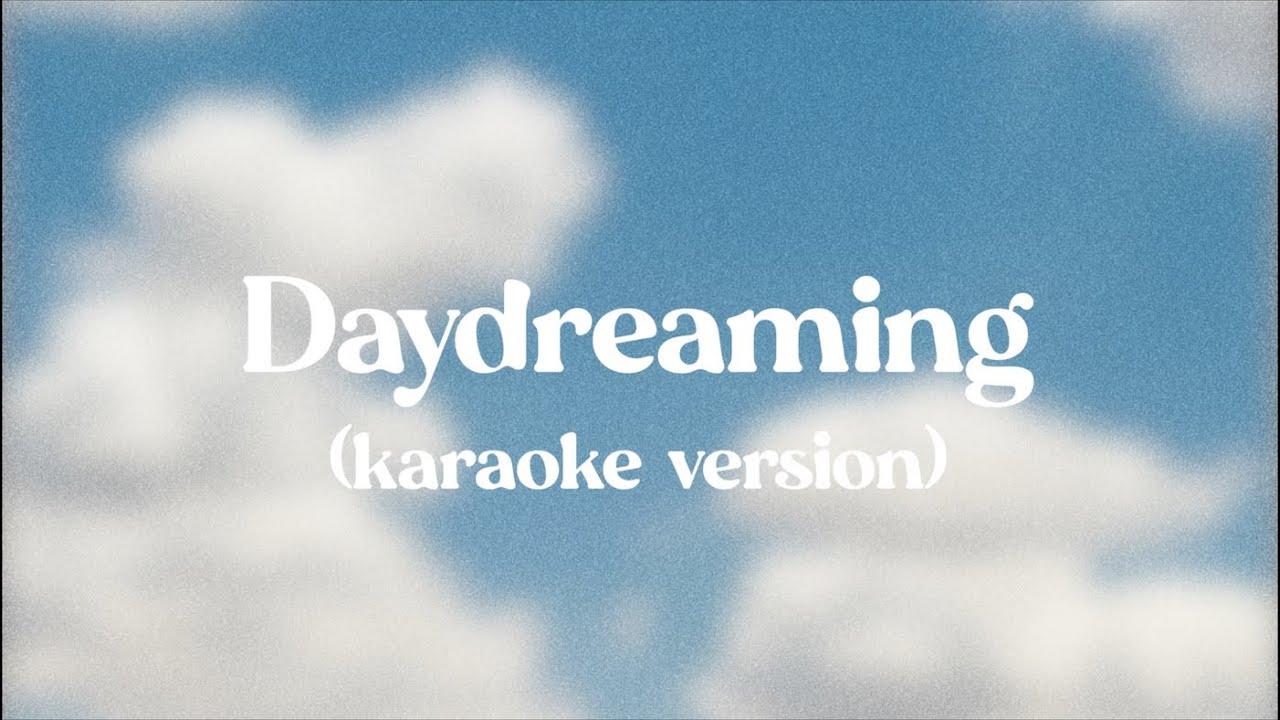Logan Alexandra - Daydreaming (Karaoke Version)